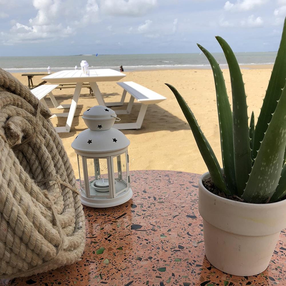 Restaurant de fruit de mer sur la plage de pornichet